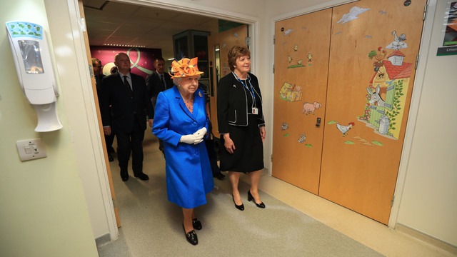 queen escorted at Manchester hospital66399446