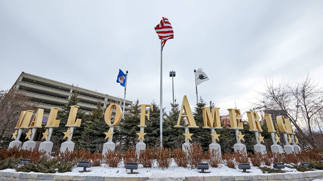 Mall of America sign in winter.jpg70224950