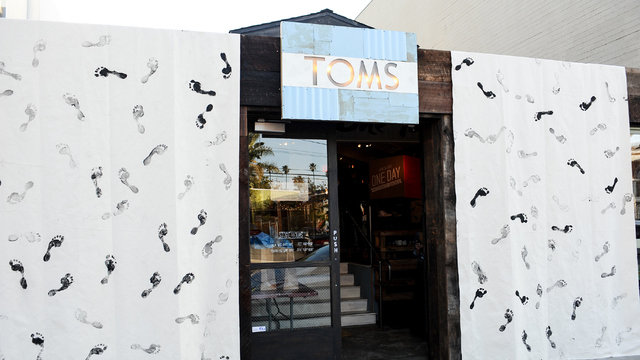 Struggling retailers TOMS Shoe Store.jpg27120319