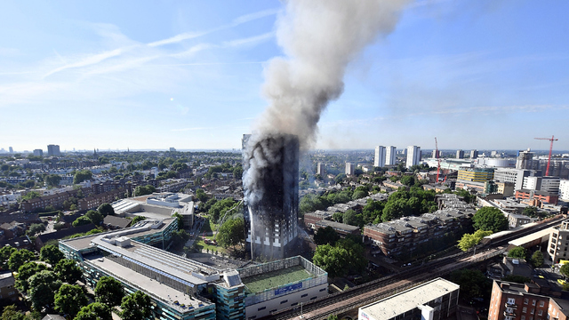 Grenfell Tower on June 14 Smoke.jpg07203278