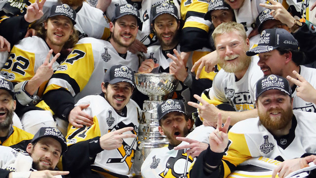 Pittsburgh Penguins celebrate with Stanley Cup38086615
