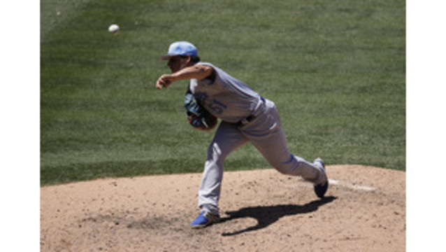Royals' Vargas earns MLB-best 10th win