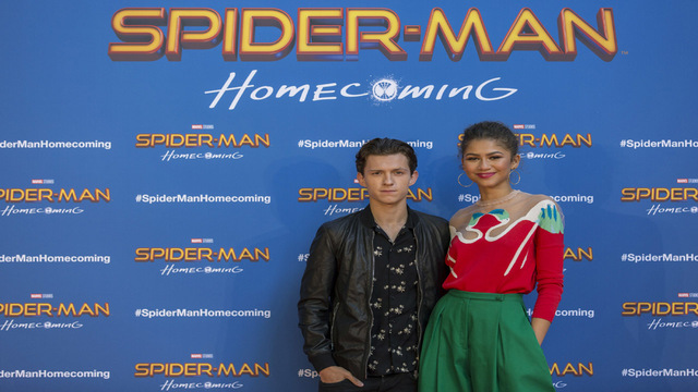 Spider-Man: Homecoming Costars Zendaya & Tom Holland Are DATING!!!