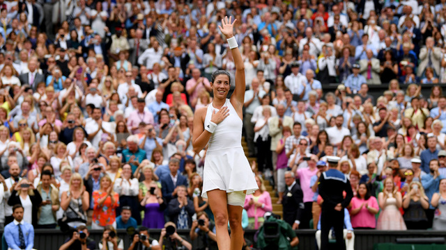 Muguruza overpowers Williams to win first Wimbledon title