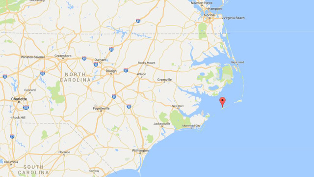 Thousands evacuate North Carolina island after power outage