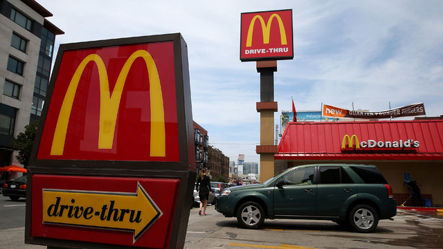 How to eat healthy fast food during road trip