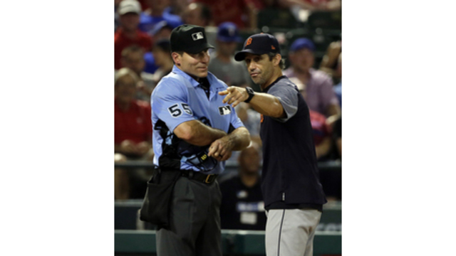 Ian Kinsler Says Umpire Angel Hernandez 'Needs To Find Another Job'