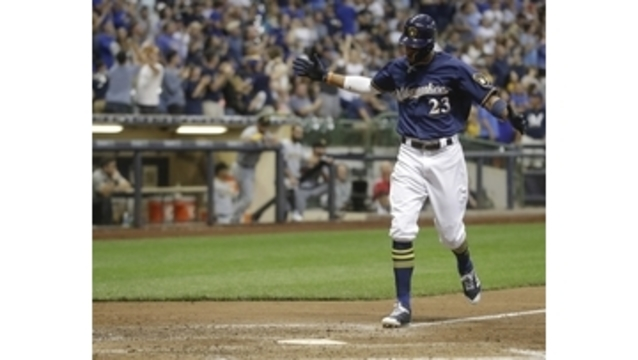 Pina's homer leads Brewers to 7-6 comeback win over Pirates