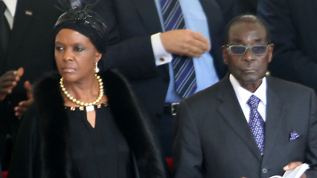 Mugabe paves way for wife to succeed him