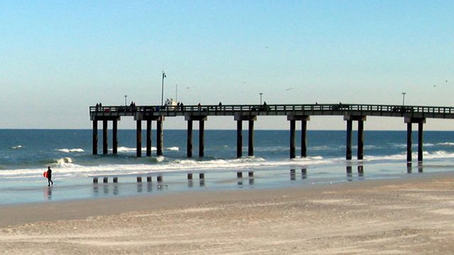 Deputies: Woman drunkenly bites man's fishing line at St. Johns County pier