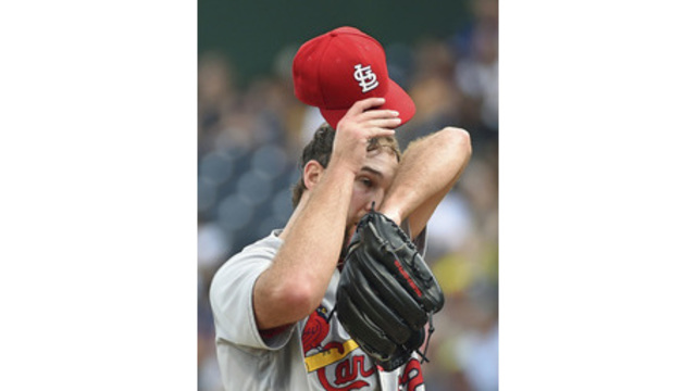 Wainwright back on disabled list; Cardinals recall Mayers from Memphis