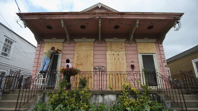 New Orleans couple boards up house before Hurricane Isaac80246467