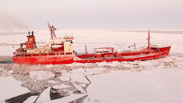 Russian LNG Tanker Crosses Arctic Ocean In Record Time