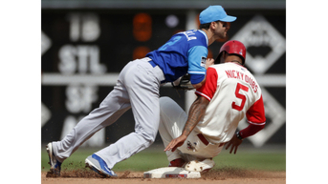 Phillies turn triple play in fifth inning against Cubs