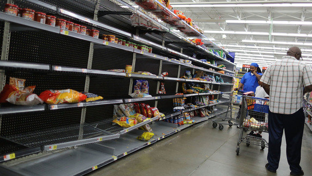 Walmart, shelves empty, Hurricane Harvey prep92185661