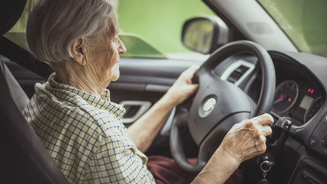 Older drivers: 7 tips for driver safety
