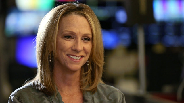 Beth Mowins draws praise for breaking NFL barrier