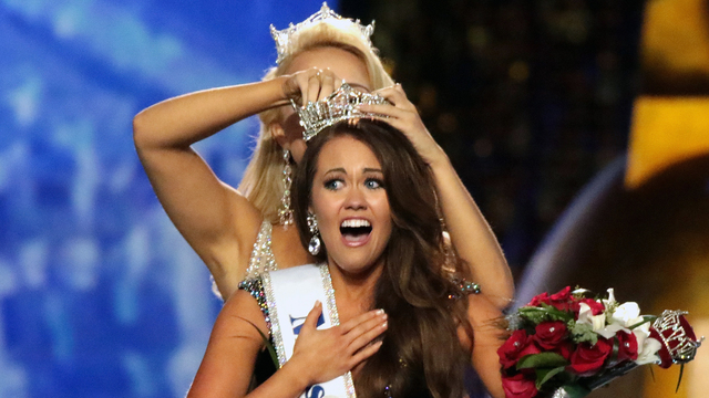 Miss America Cara Mund North Dakota crowned.jpg15851507