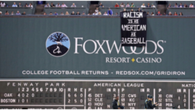Fenway fans denounce racism with sign