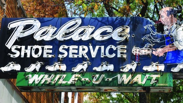 America's vintage road signs: neon blasts from the past