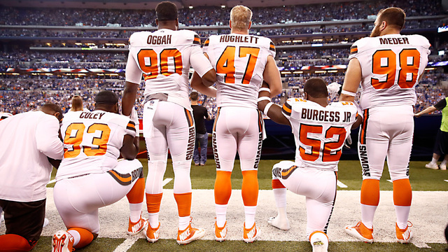 kneel browns49660937