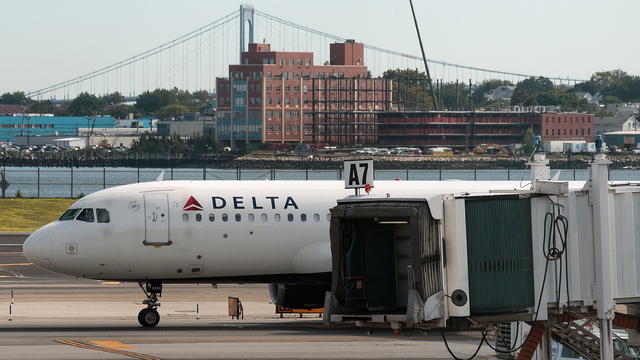 Delta flights will now have free in-flight texting