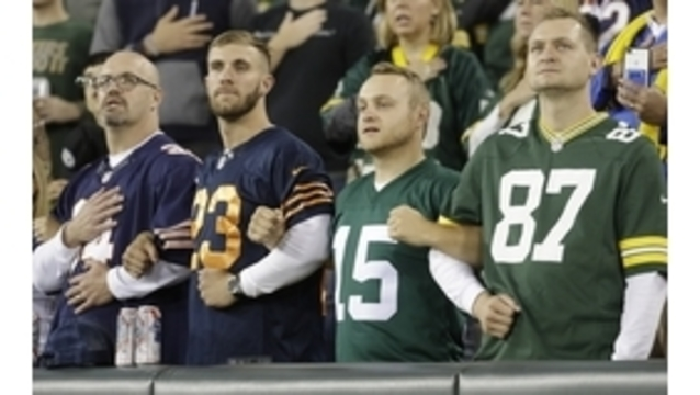 Bears, Packers lock arms on each sideline during anthem