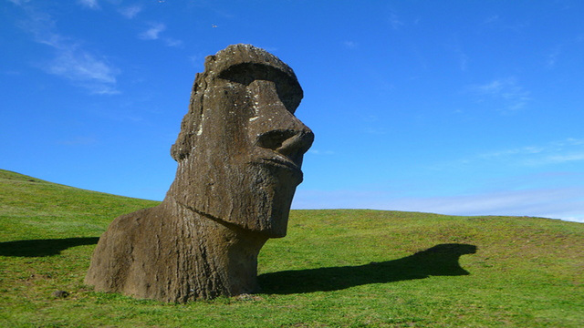Easter Island: Make the most of its mysteries