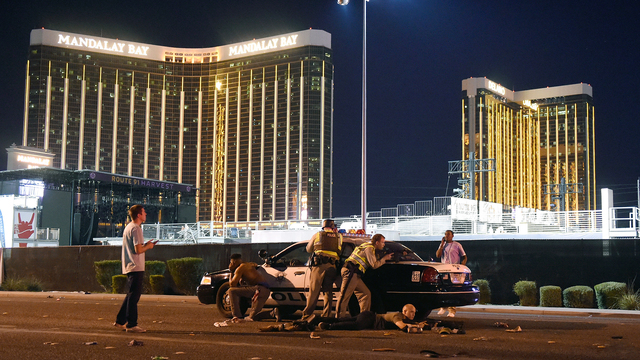 Las Vegas Mass Shooting police outside Mandalay Bay.jpg39925356