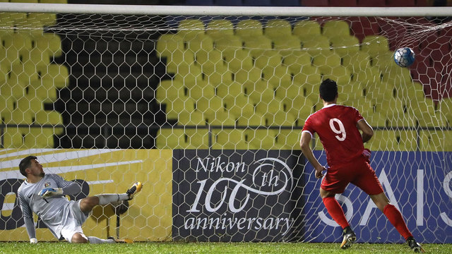 Syria scores late to keep World Cup dream alive