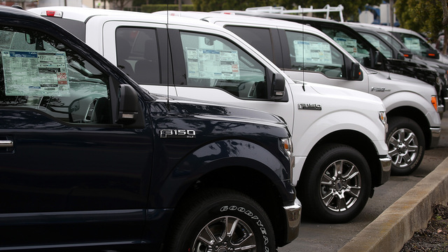 Ford recalls 1 300 000 pickups in North America