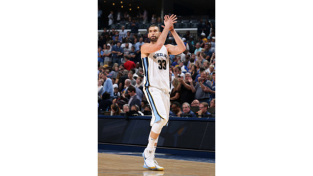 Gasol, Grizzlies build big lead, hang on to beat Warriors