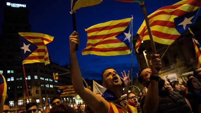 Catalonia autonomy, Spain, Protesters against Spanish federal government's suspension of Catalonian autonomy01637121