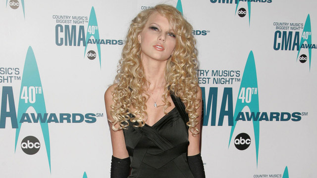 Taylor Swift at 2006 CMA Awards63603993