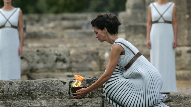2018 Olympic flame lighting 590291723