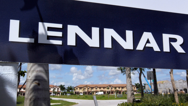 Lennar sign home builders49119995