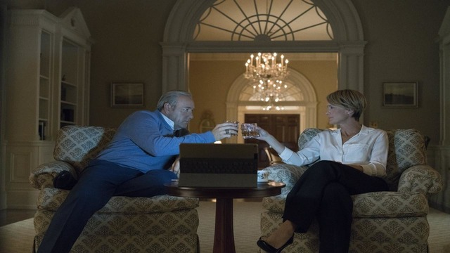 'House of Cards' extends production hiatus following Spacey exit