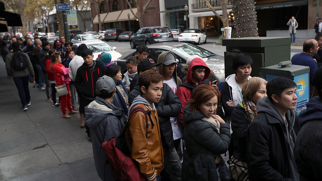 iPhone X release Line at California store.jpg92596845
