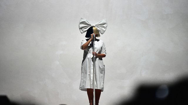 Sia beats nude picture seller to the punch