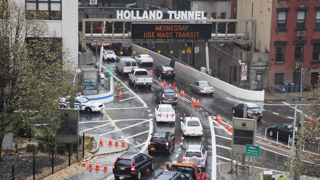 traffic going into Holland Tunnel in New York City38909582
