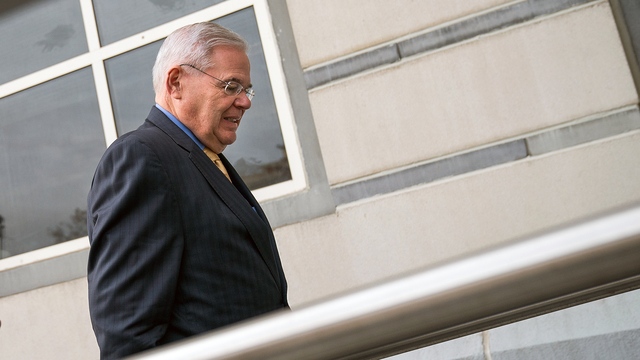 Menendez judge not ready to declare mistrial