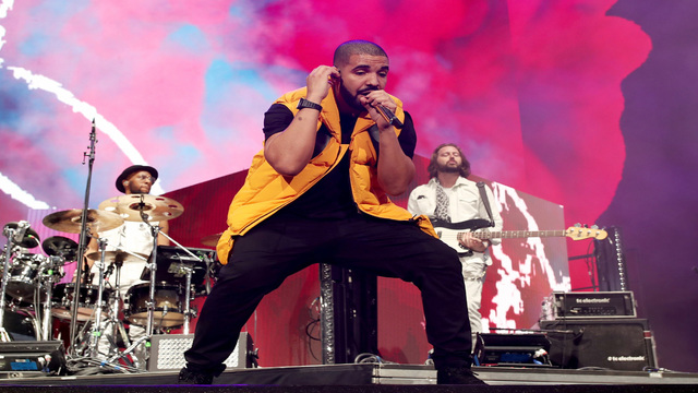Drake Stops Sydney Afterparty To Threaten Fan Who Was Allegedly Groping Women