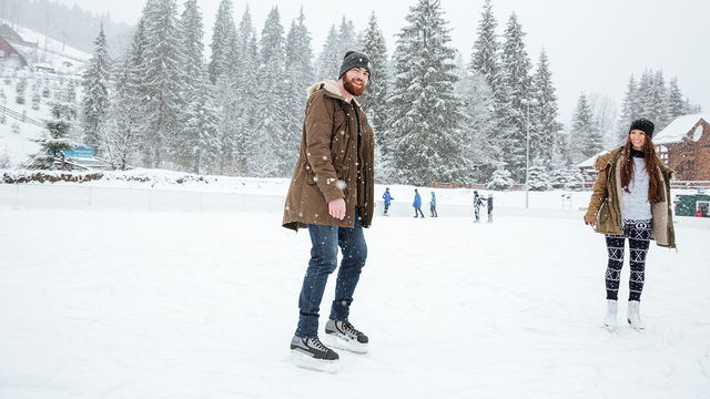 Safety tips for skating and playing on frozen lakes