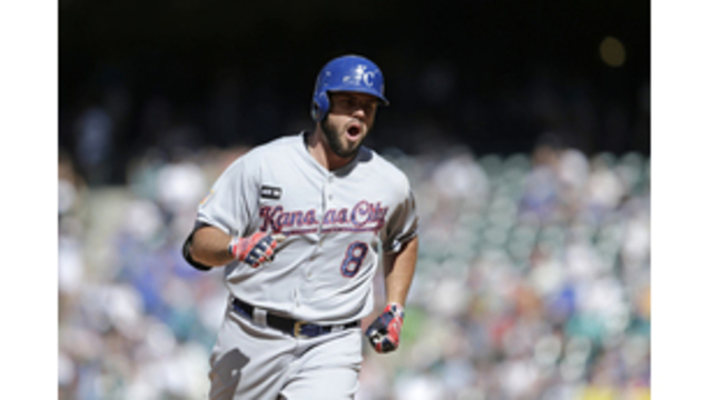 Mike Moustakas earns Comeback Player of the Year award
