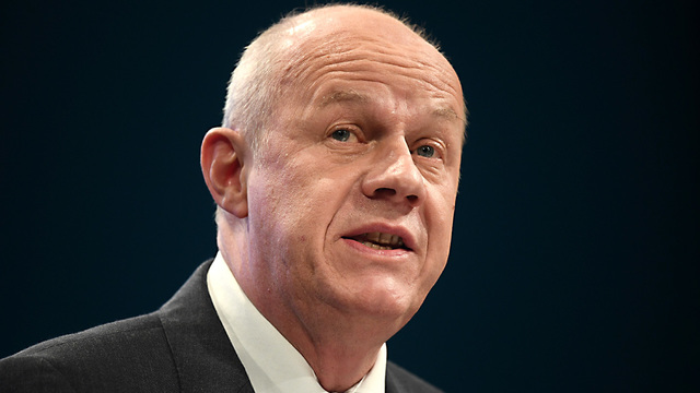 'Thousands' of porn images on Damian Green's office computer, detective claims