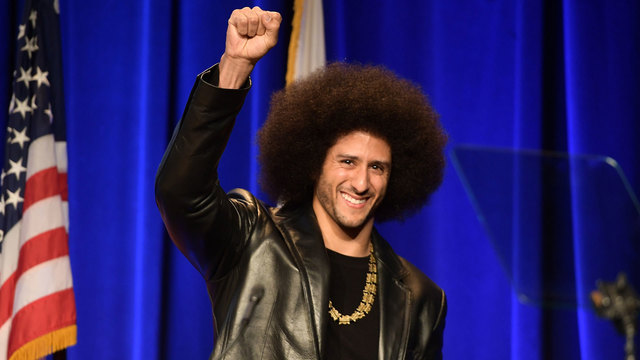 Colin Kaepernick honored with ACLU award