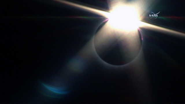 Crescent-shaped eye damage found in woman who viewed eclipse