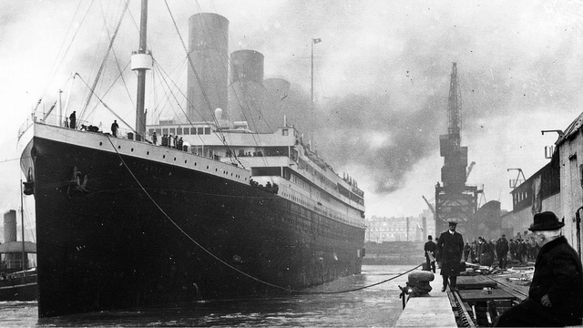 Titanic at the docks.jpg32281491