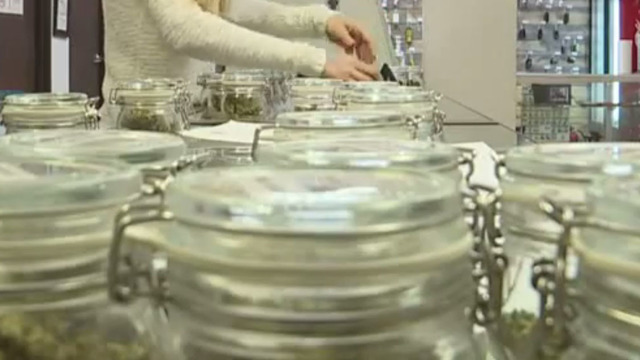 Californians line up to legally buy recreational pot
