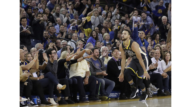 Warriors fall apart in loss to Charlotte